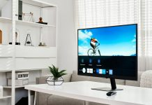 Smart Monitor M7 – on desk